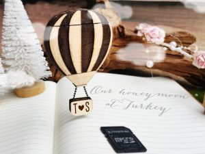 Personalized Hot air balloon SD memory card holder magnet